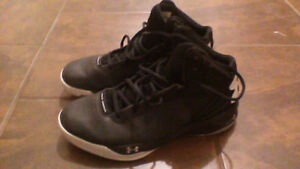 Women's Under Armour Basketball Shoes, Size 9.5