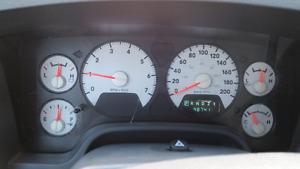 2500 Dodge ram 2008 heave duty 5.7 lete himi low km