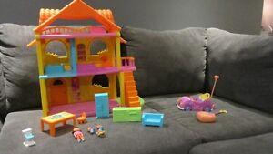 Dora the Explorer Play House