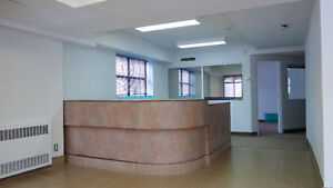 6042 Cote St. Luc Commercial Space for Rent