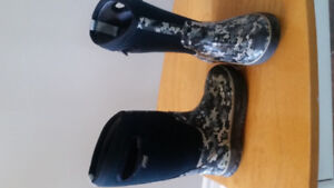 Boys Boggs Winter Boots - Size 12