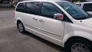 2010 Chrysler Town & Country Minivan, Van