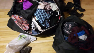 YOUNG WOMEN'S CLOTHING, HUNDREDS OF ITEMS