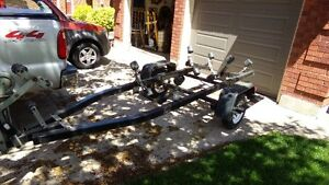 Trailer for a 15 to 18 foot vee hull boat