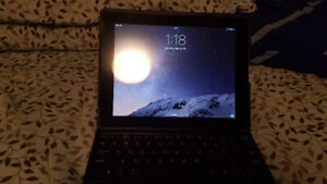Selling 16GB iPad 3rd Gen with Belkin Keyboard and Otterbox