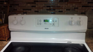 Kenmore Smooth Top stove for Sale! Kitchener / Waterloo Kitchener Area image 1