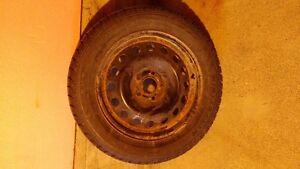pneus d'hiver  avec jantes 215/55/16