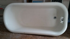 Antique footed tub