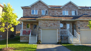 Barrie 3 Bedroom End Unit Townhouse, only 3 yrs old