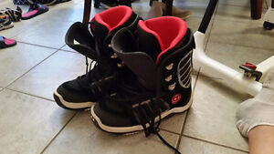 Used Snowboarding Boots - Men`s Size 9