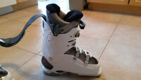 Women's Brand new Salomon ski boots