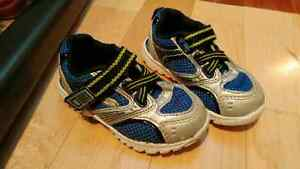 Boys shoes (size 6)