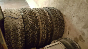 Bf Goodrich a/t t/a tko tires 285 65 r20 tires are 35 inch