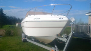 Thompson Carerra 2600 - 26 ft cuddy cabin with 5.7 L V8 inboard