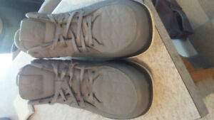 Size 10 Mens Nike Air Jordans Clutch Sneakers