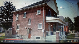 Student Rental Brantford Ontario - 1 room available