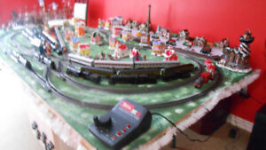 HO Model Trains, Layout 8 x 4 , solid work on standing support