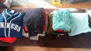 Lot de vêtements large