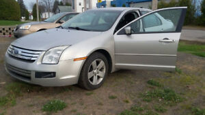 2007 Ford Fusion Berline (Négociable)