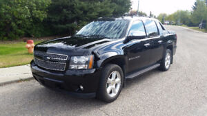 2008 Chevy Avalanche LTZ Black on Black 4x4 Loaded Leather