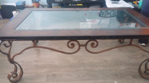 Coffee table for sale 300$