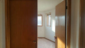 1 executive room for rent from sep15th2018.