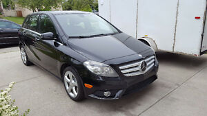 2013 Mercedes-Benz B 250 Hatchback in excellent condition