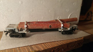 HO Scale Model Train Unknown Maker Log Car REAL WOOD LOAD??