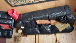 3 real black leather pieces of furniture   couch/ recliner/chair