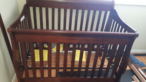 Crib, toddler bed and double bed 3 in one.