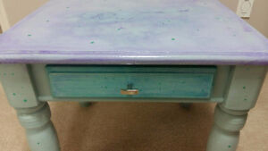 HAND PAINTED SOLID OAK END TABLE Cambridge Kitchener Area image 2