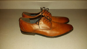 Aldo leather brown shoe (size 13)