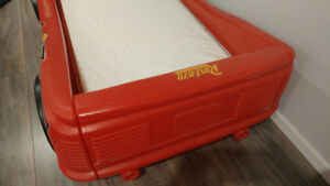 Red Cars bed