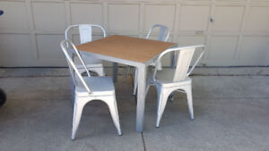 Patio Table with FOUR stackable Aluminum Patio Chairs