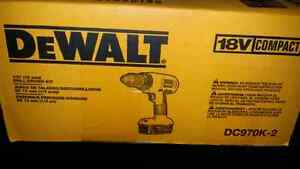 "Dewalt 18V 1/2"" Compact Drill/Driver Kit London Ontario image 3"