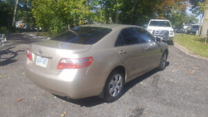 2009 CAMRY..NEW TIRES!