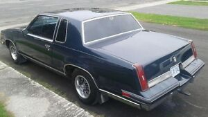 NICE 1987 CUTLASS SUPREME