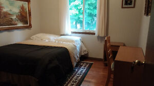 GREAT LOCATION FOR UWO STUDENT!! (NEAR WEST)
