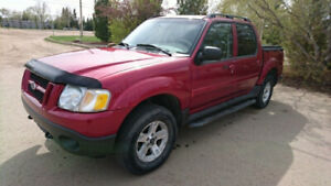 2005 FORD EXPLORER SPORTS TRAC  IN GREAT CONDITION
