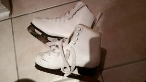 Figure Skates - Size 2 Youth (White)