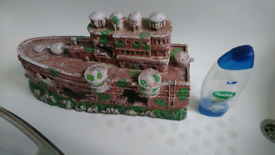 Aquarium ship