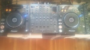 Pioneer cdj 1000's Mk3 (Pair) Turntables. $800