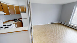 BRIGHT AND SPACIOUS ONE BR APT WITH BALCONY STEPS FROM DAL & SMU