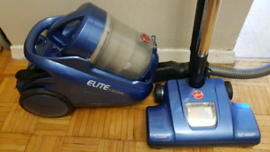 Hoover Elite Cyclonic Canister Vacuum cleaner. Model: S3825.