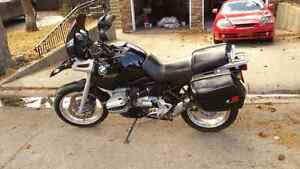 BMW-R1100GS low mileage for this beautiful touring bike
