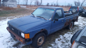 Parting out 1985 Toyota 1-ton pickup