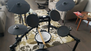 Roland TD-4 Electric Drums
