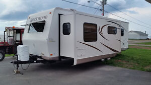 2011 Rockwood  travel trailer a vendre