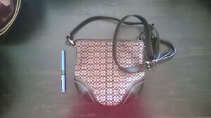 Purses for Sale—Designer, New, and Used West Island Greater Montréal image 4