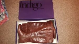 INDIGO BY CLARKS LEATHER BOOTS FALL AND SPRING BRAND NEW